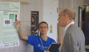 SpHERES student presents research poster